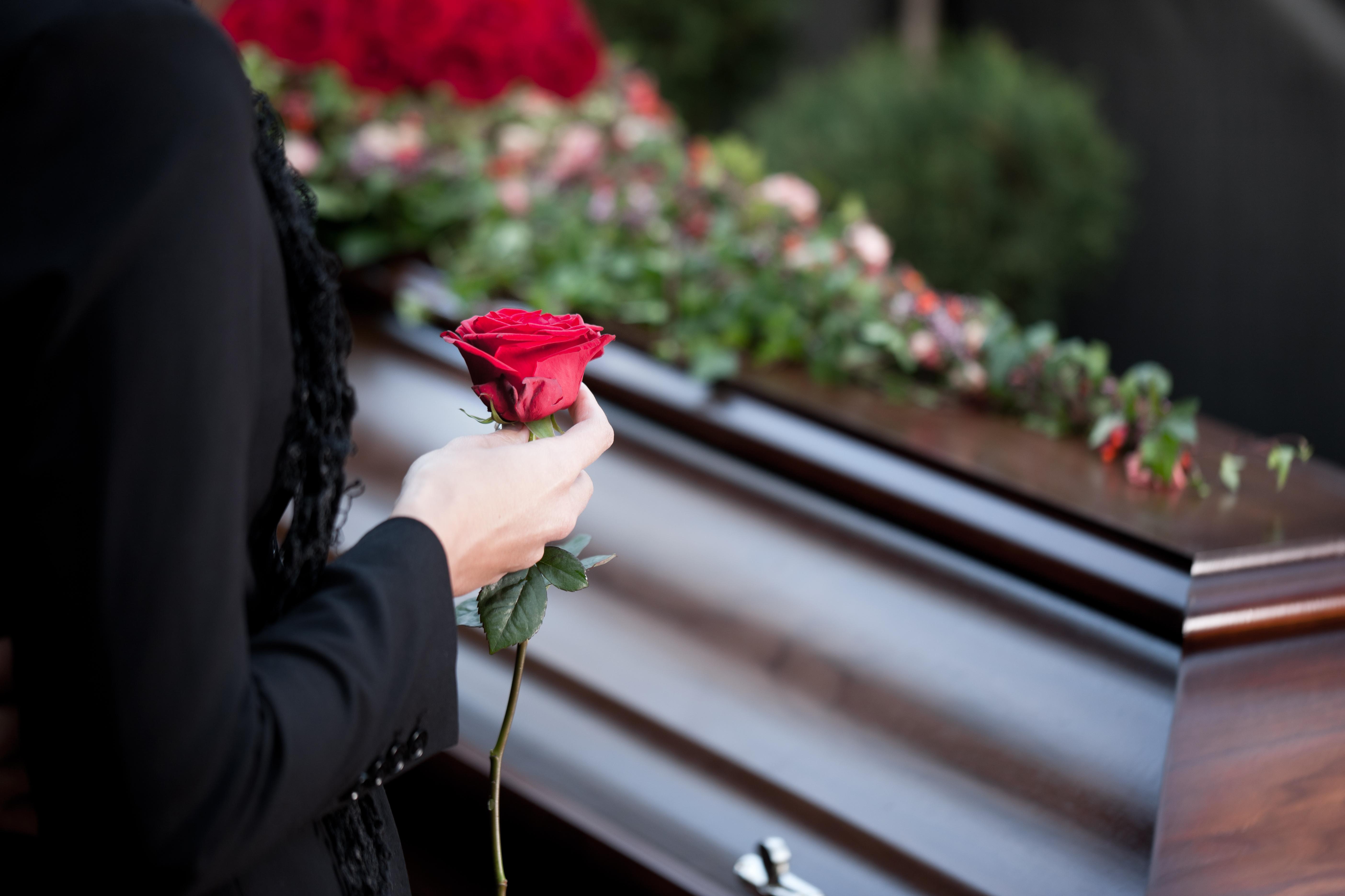 funéral avec fleur